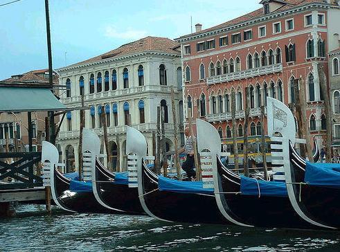 Venecia busca conservar su 'magnetismo' en la Bienal de Arte