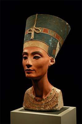 El busto de Nefertiti, seguirá en el Museo Egipcio de Berlín