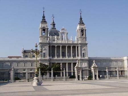 La Catedral de la Almudena acoge una exposición sobre San Isidro