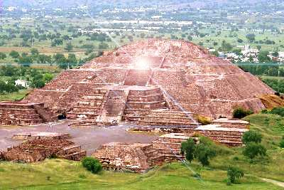 Pirámide del Sol en la zona arqueológica de Teotihuacán