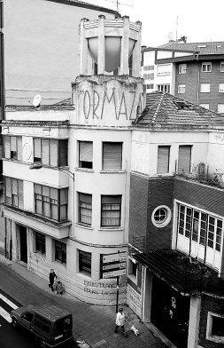 Vista exterior de la antigua fábrica Ormaza