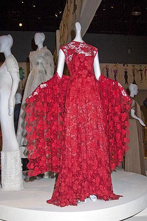 Museo del Instituto Tecnológico de Moda presenta 200 años de influencia política en la moda de EE.UU