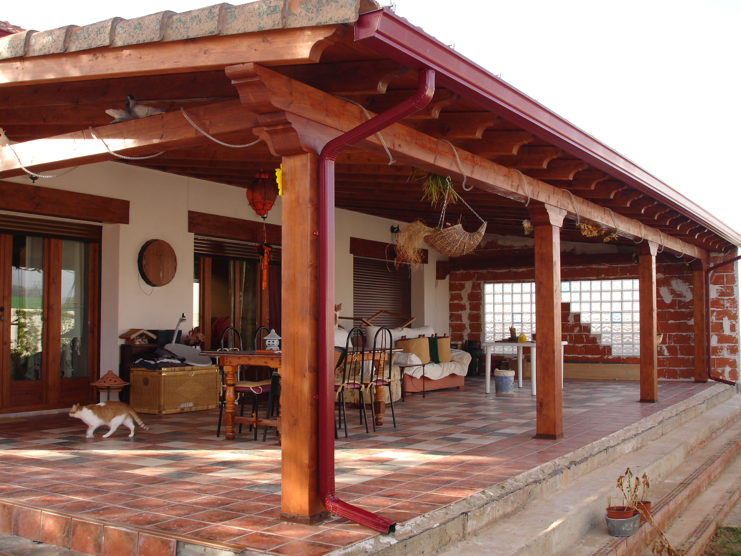 Pergolas y porches de madera trabajos realizados for Tipos de techos para porches