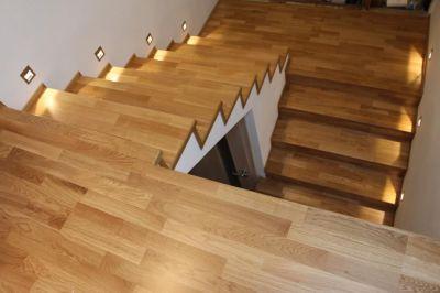 Montáž dřevěného schodiště