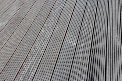 šedivá terasa