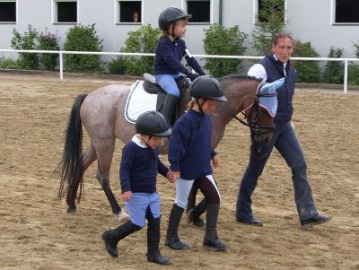 Kinder und Ponys gehören einfach zusammen.
