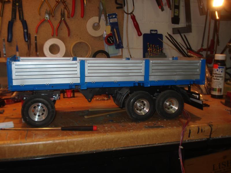 quickyliners truck modellbau baustoff h ngerzug. Black Bedroom Furniture Sets. Home Design Ideas
