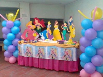 Rayuelita fiestas infantiles decoraci n con globos for Decoracion salon infantil