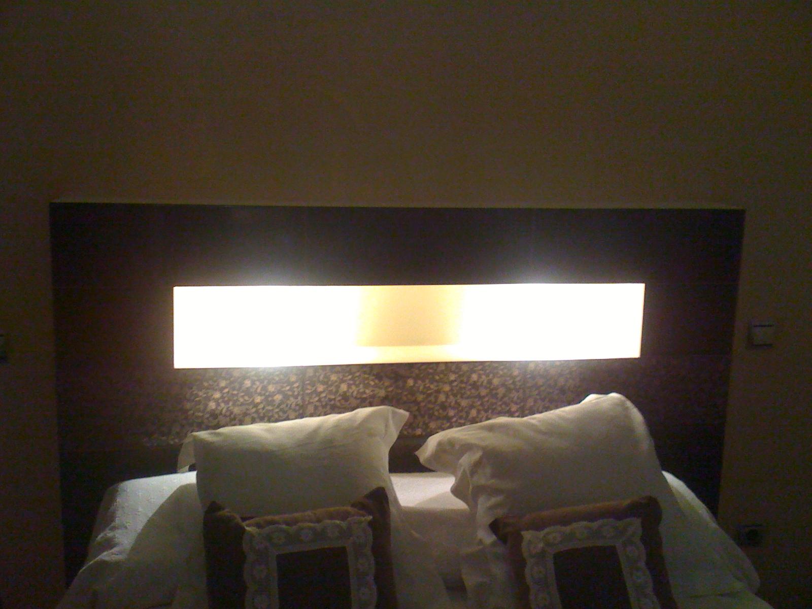 Reformasadomicilio com cabecero cama de obra - Cojin para cabecero de cama ...