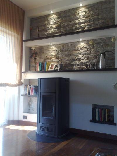 Creativit per la casa stufe caminetti a legna e pellet - Stufe elettriche a parete per bagno ...