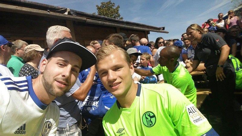 Fan-Mitglied mit Johannes Geis