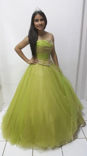 Vestidos de 15 color verde limon