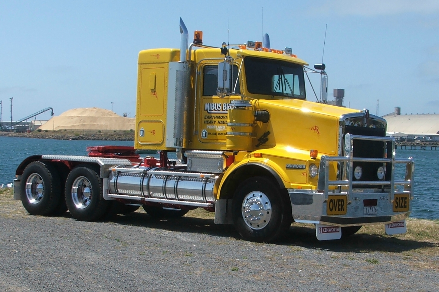 Truck-Driver-Worldwide - American Trucks
