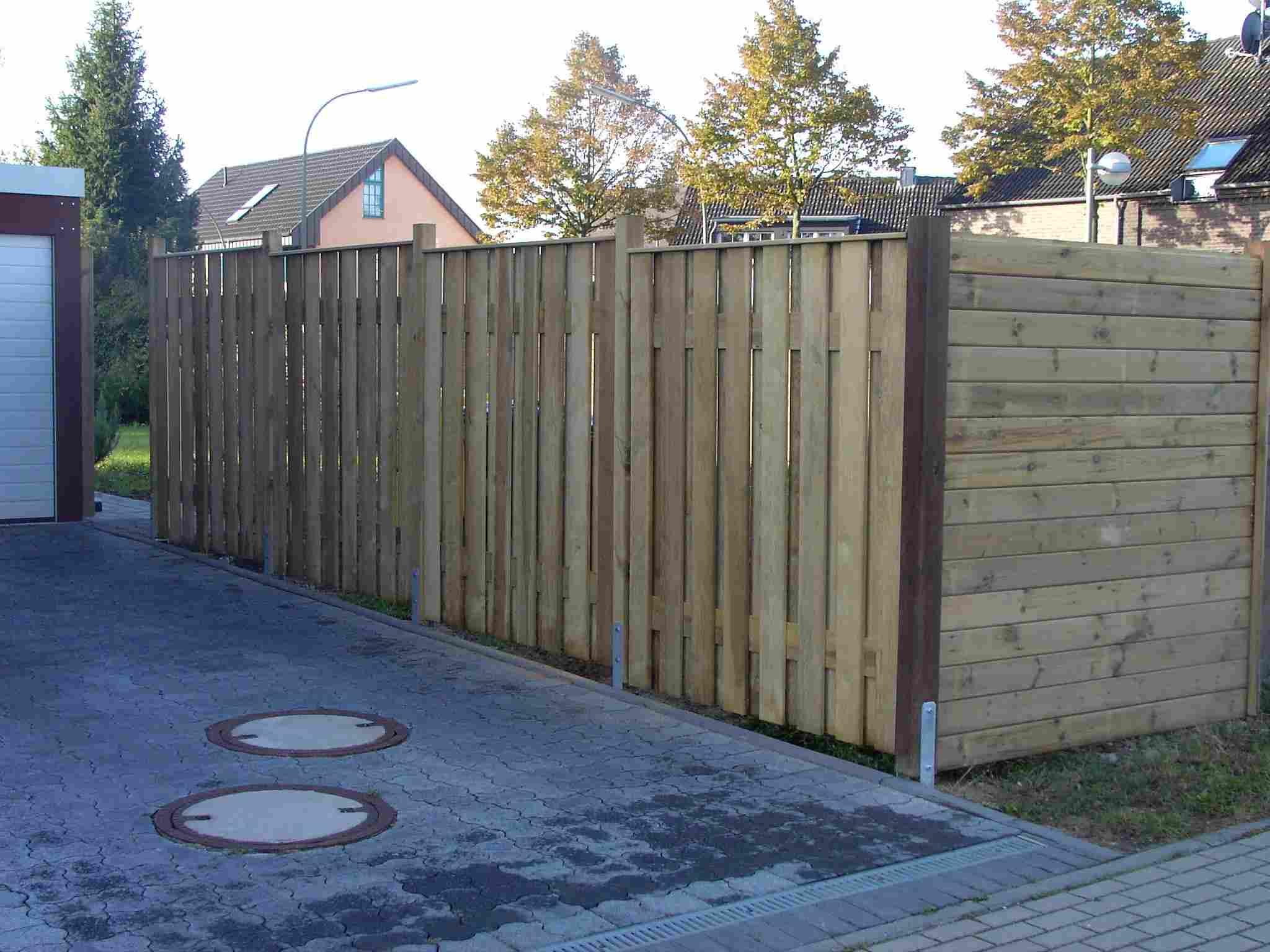 Holz im Garten Zäune Tore