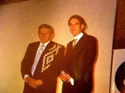 En esta foto con Luis Landriscina cuando lo presente en Villa Elisa, año 2005