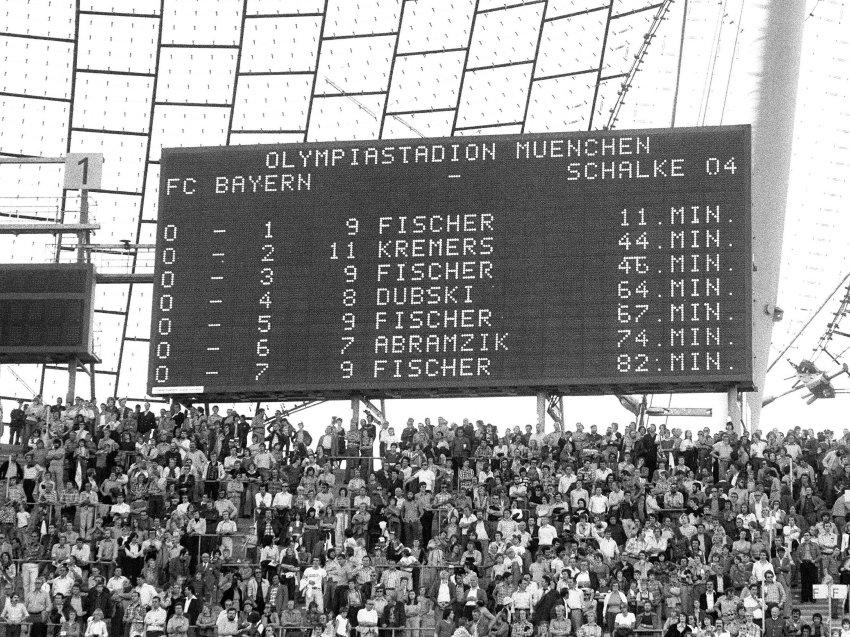 Anzeigetafel im Bayern Stadion