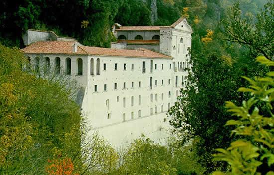 Monticchio Santuario S. Michele (Esterno)