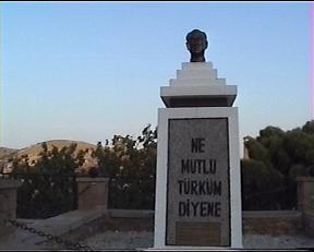bir rum vatandaşın yaptırdığı Atatürk büstü