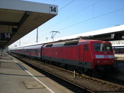120 mit München-Nürnberg-Express