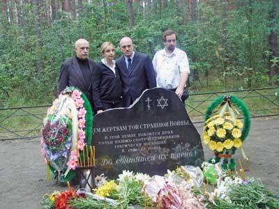65-летие освобождения от фашистких захватчиков Щорского района - Памятник
