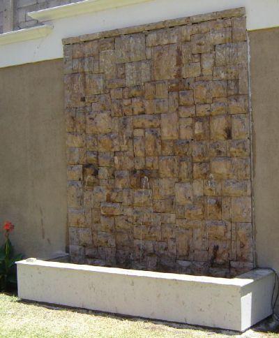 Segea galer a - Fuentes de piedra de pared ...