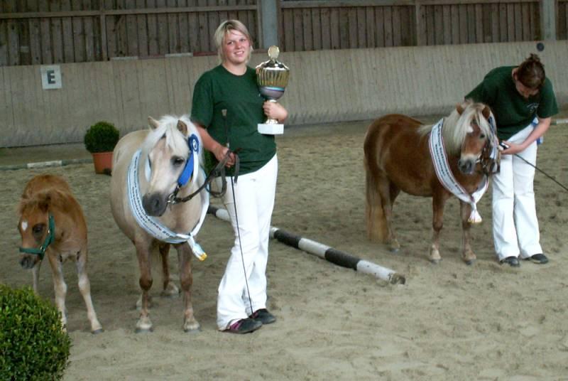 Gesamtsieger Lucy Ann und Gesamtreservesieger Loreen, beide Stuten sind gezogen und im Besitz des Gestüts Joslehof von Familie Schaubmair in Kaltental