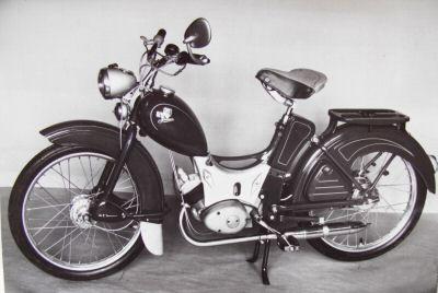 der kult des ostens die ersten mopeds sr 1 und sr 2. Black Bedroom Furniture Sets. Home Design Ideas