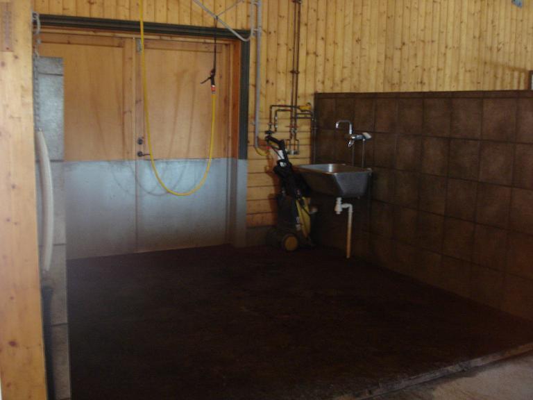 Waschplatz, man achtet besonders auf Rutschfestigkeit