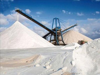 Streusalz - Meersalz oder Bergbausalz Salzmine