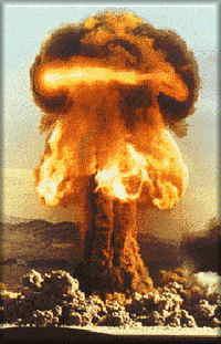 TRINITY: Nombre de la torre construida para lanzar la bomba atómica.