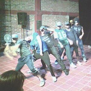 Héctor D y D'Boy junto a otros raperos