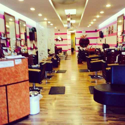 Nail Salons And Trendy Hair