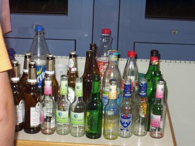 Im Zimmer von Hagar und André wurden die leeren Flaschen aufbewahrt,was die Lehrer aber nicht wirklich weiter störte