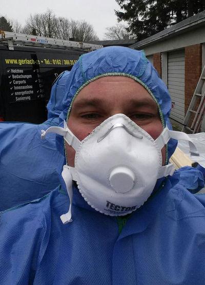 Zimmerei Sven Gerlach - Schutzmaske Asbest