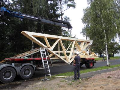 Zimmerei Sven Gerlach - Anlieferung Binder für Dach