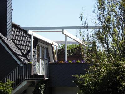 Zimmerei Sven Gerlach - Balkon mit Gerüst für Lichtplatten