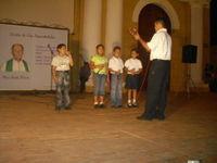 Niños Amar y servir, interpretando el peregrino